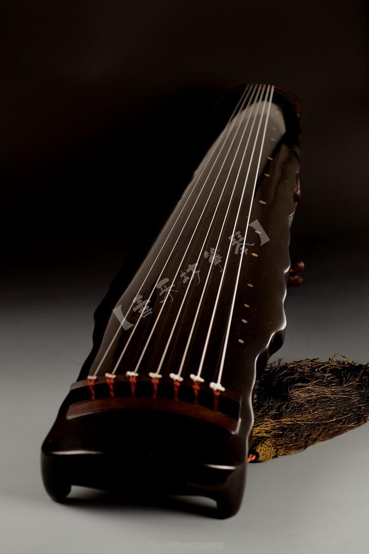 落霞式古琴图片